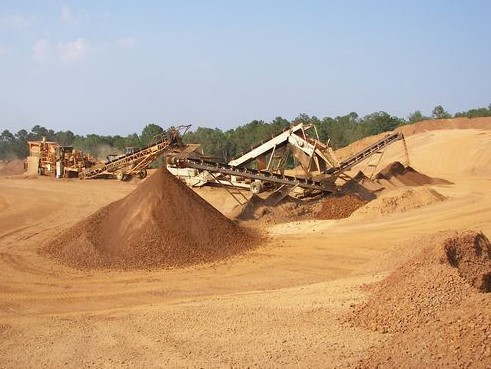 Crusher and Screen in operation